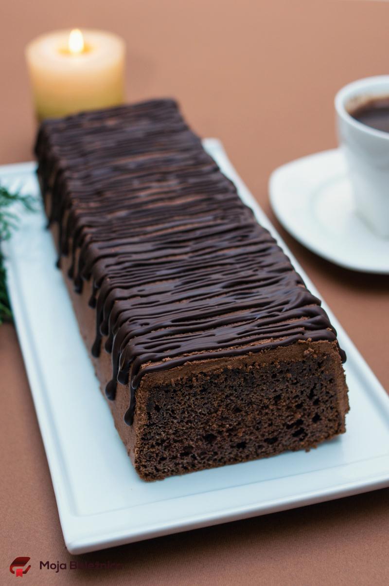 Jednostavni čokoladni kolač